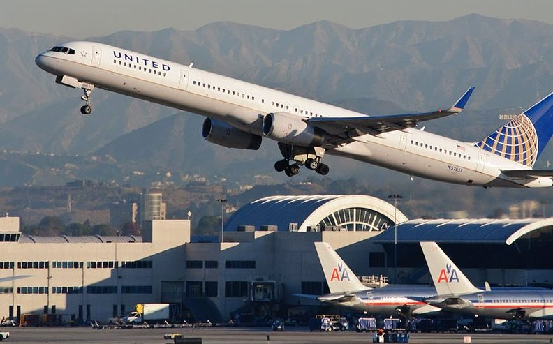 United Airlines Changes Passenger Policies After Scandal ...