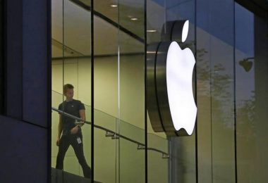 Apple To Pay Taxes In US For Their Overseas Cash - Tax Cut Saves Them Tens Of Billions USD